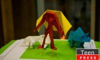 """Expozitia de origami """"Tărâm de poveste"""" a lui Alexandru Găvan"""