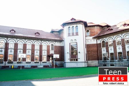 """Liceul meu: Colegiul Naţional """"Cantemir Vodă""""Liceul meu: Colegiul Naţional """"Cantemir Vodă"""""""
